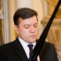 Aleksandar Serdar, dr Mina Mendelson, docent i pijanistkinja Senka Simonović