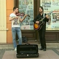 Profesionalni ulični zabavljači u Nišu